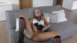 Curvy yellow-haired German amateur fucked On couch and Cumshotted