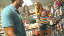 Brynn Tyler fists her lovers
